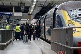 Nhiều quy định phòng dịch nghiêm ngặt đối với hành khách đi lại giữa Anh, Pháp