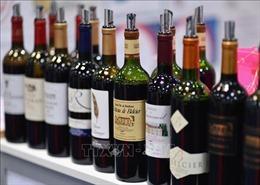 Mỹ áp thuế mới với phụ kiện máy bay và rượu nhập khẩu từ Pháp và Đức