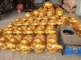 Làng nghề Tân Phước Khánh vào vụ 'trâu vàng' Tết Tân Sửu