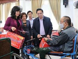 Đồng chí Phạm Minh Chính thăm Trung tâm Điều dưỡng thương binh Thuận Thành
