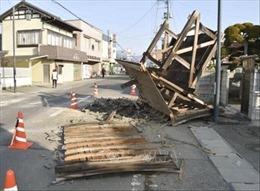 Chính phủ Nhật Bản cảnh báo sẽ còn dư chấn mạnh sau trận động đất