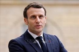 Tổng thống Pháp hối thúc các nước phương Tây san sẻ vaccine ngừa COVID-19