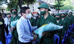 Quân khu 7 tổ chức giao nhận quân nhanh gọn, an toàn