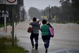 Hàng trăm người dân Australia sơ tán khẩn cấp do mưa gây lũ lụt nghiêm trọng