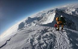 Một phụ nữ leo tới đỉnh Everest chỉ trong 26 giờ