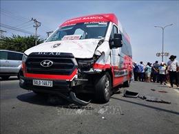 Xe khách va chạm xe máy, 2 người tử vong
