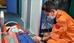 Kịp thời cấp cứu ngư dân bị nạn nguy kịch trên biển