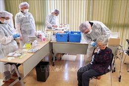 Nhật Bản đẩy nhanh tiến độ tiêm chủng vaccine ngừa COVID-19