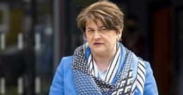 Thủ hiến Bắc Ireland từ chức