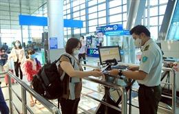 Hàng không hỏa tốc yêu cầu sử dụng QR Code khai báo y tế