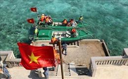 Thiêng liêng cờ Tổ quốc nơi quần đảo Trường Sa
