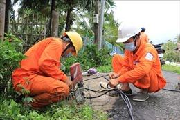Hỗ trợ người dân Vĩnh Long bị thiệt hại do dông lốc