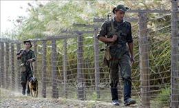 Kyrgyzstan cấm nhập cảnh đối với hành khách từ Tajikstan sau vụ xung đột biên giới