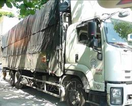An Giang: Bắt quả tang một xe tải vận chuyển số lượng lớn hàng hóa không hóa đơn, chứng từ