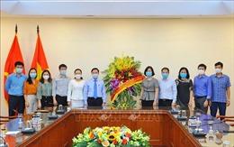 Phó Chủ tịch Quốc hội Nguyễn Khắc Định đến thăm và chúc mừng TTXVN