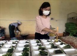 Giáo viên TP Kon Tum chung tay giảm tải áp lực cho tuyến đầu chống dịch