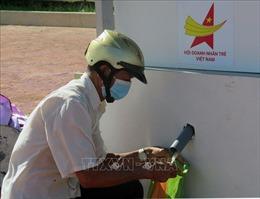 Cây 'ATM gạo' hỗ trợ người dân gặp khó tại vùng dịch Phú Yên