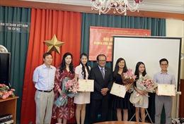 Phát huy tính năng động tích cực của thế hệ trẻ người Việt tại Séc