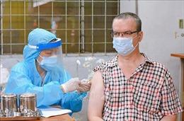 Tiêm vaccine phòng COVID-19 cho người nước ngoài tại TP Hồ Chí Minh