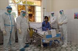 Bệnh nhân COVID-19 nguy kịch đến mức ngừng tim được cứu sống