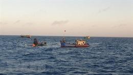 Tập trung tìm kiếm hai ngư dân bị mất tích sau sự cố chìm tàu