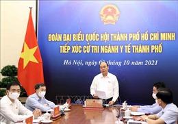 Chủ tịch nước Nguyễn Xuân Phúc tiếp xúc cử tri ngành y tế TP Hồ Chí Minh