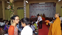Xúc động lễ Vu Lan báo hiếu của cộng đồng người Việt tại Thái Lan