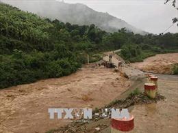 Mưa lũ cô lập nhiều thôn bản miền núi Thanh Hóa