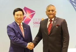 Các cuộc gặp song phương của Phó Thủ tướng Phạm Bình Minh tại Hội nghị AMM 51