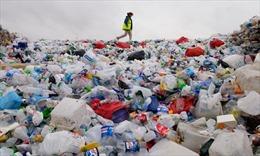 Rác thải nhựa không thể tái chế vẫn phổ biến tại Anh