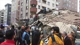 Sập chung cư 8 tầng, ít nhất 5 người thương vong