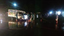 Xe tải đâm trực diện xe máy khiến 2 người tử vong