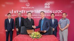 Hanwha Life Việt Nam hợp tác chiến lược cùng Ví điện tử MoMo và đơn vị trung gian thanh toán Payoo