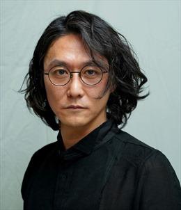 Nghệ sỹ Nhật Bản Tsuyoshi Sugiyama đảm nhận vai trò đạo diễn sân khấu của Nhà hát Tuổi trẻ