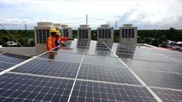 Thí điểm xã hội hóa lắp điện mặt trời mái nhà tại chợ Đồng Xuân