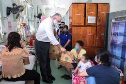 """Sanofi mang """"Giấc mơ cho em"""" đến với các bệnh nhi tại BV Nhi Đồng 2 TP Hồ Chí Minh"""