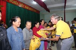 Bia Larue trao quà cho 800 hộ gia đình chịu ảnh hưởng bão lụt tại Quảng Nam
