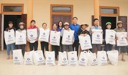 Cán bộ, nhân viên ngân hàng Shinhan chung tay cộng đồng hướng về miền Trung
