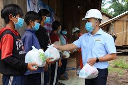 Công ty Điện lực Kon Tum: Tặng quà cho thiếu nhi vùng sâu, vùng xa, vùng đồng bào dân tộc thiểu số