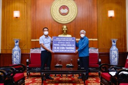 Liên doanh Ô tô Hyundai Thành Công trao tặng 10 xe Solati cứu thương