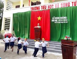 Rộn ràng khai giảng năm học mới tại huyện đảo Trường Sa