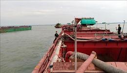 Phát hiện 5 sà lan hút cát trái phép tại vùng biển Cần Giờ