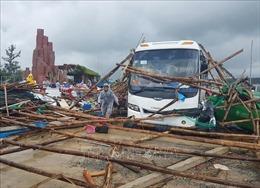 Lốc xoáy bất ngờ tại Gành Đá Đĩa khiến 13 du khách bị thương