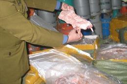 Thu giữ gần 2 tấn nầm lợn không rõ nguồn gốc xuất xứ
