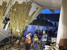 Sập tường khách sạn đang tổ chức đám cưới, ít nhất 15 người thiệt mạng