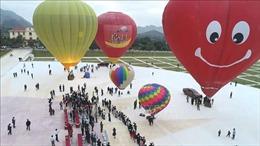 Lễ hội bay khinh khí cầu quốc tế trên cao nguyên Mộc Châu