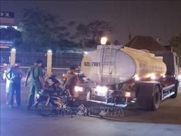 Va chạm xe bồn chứa nước tưới cây xanh, một người bị thương nặng