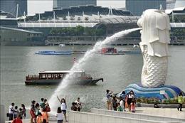 Singapore, Hong Kong và Paris đồng hạng thành phố đắt đỏ nhất thế giới