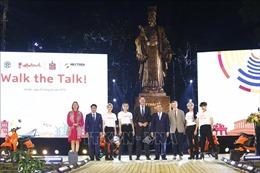 Thủ tướng Nguyễn Xuân Phúc dự Chương trình thời trang bền vững 'Walk the Talk'