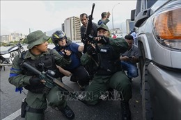 Tây Ban Nha cảnh báo không nên 'đổ máu' tại Venezuela